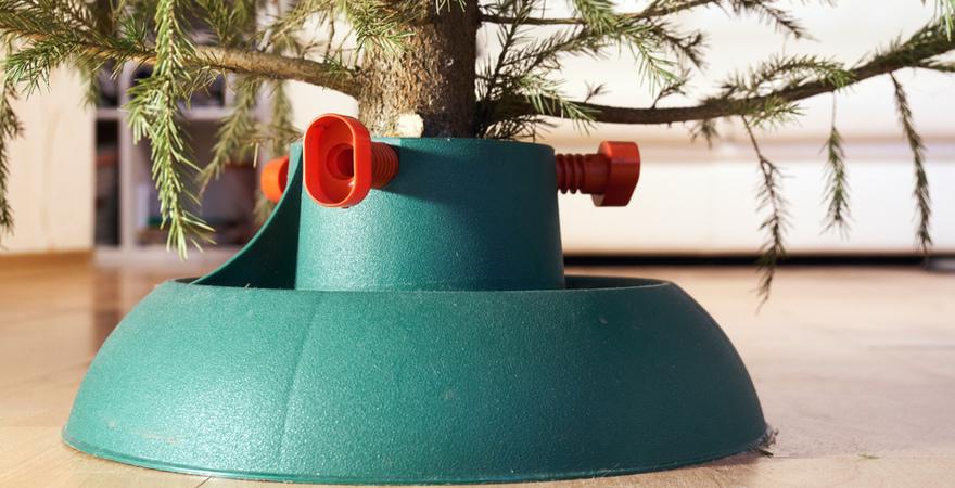 Hou je kerstboom recht met een kerstboomstandaard van Toptuincentrum | Toptuincentrum.nl