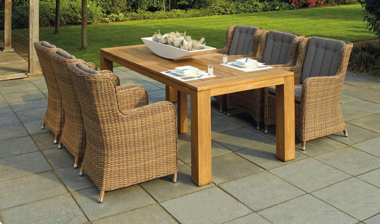 Wicker dining set met 6 stoelen